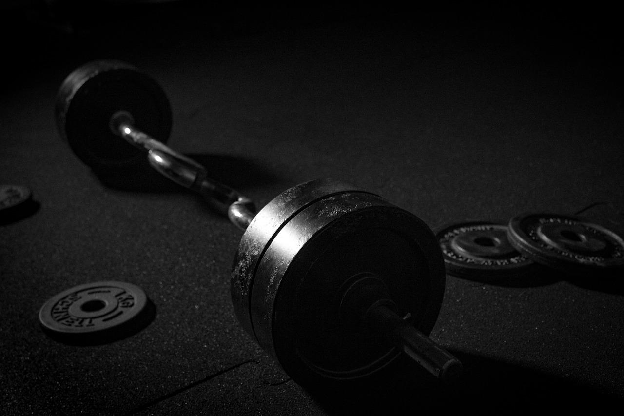 ボディビルダーやアスリートが実践している筋トレを継続するコツを紹介