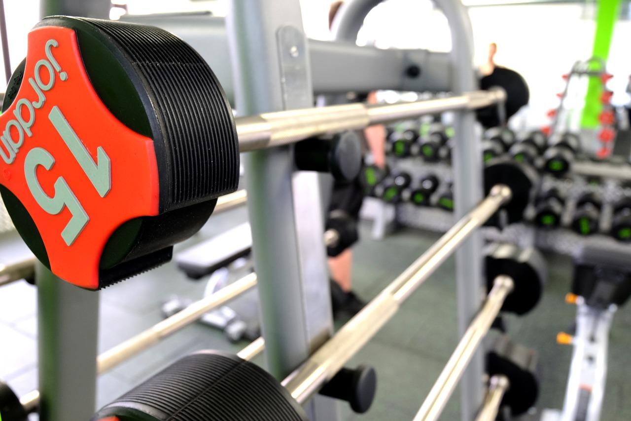 ワイドのリバースグリップベンチプレスは大胸筋上部を集中的に鍛える