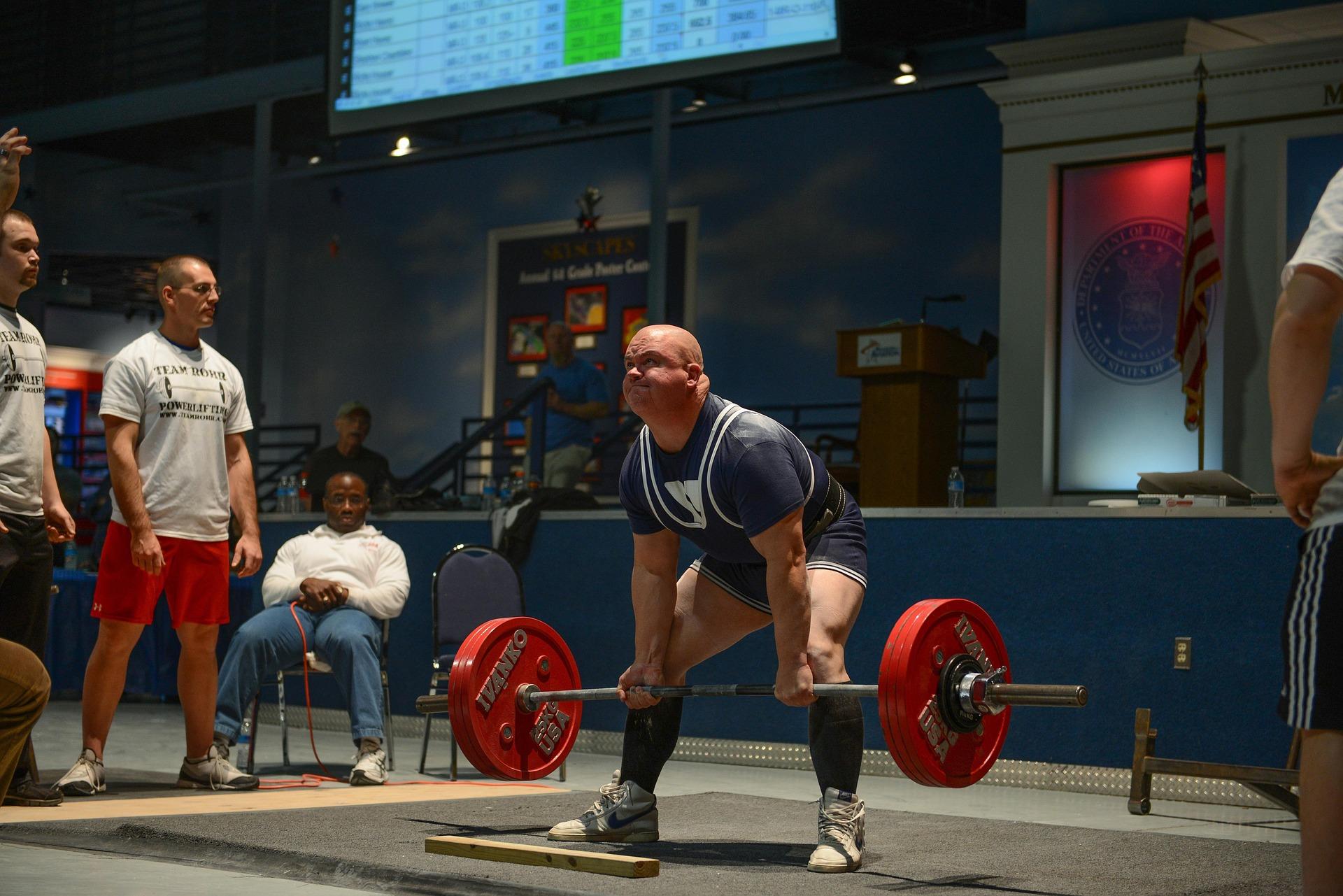 筋トレで最大挙上重量(1RM)を測定する際の重量の増やし方