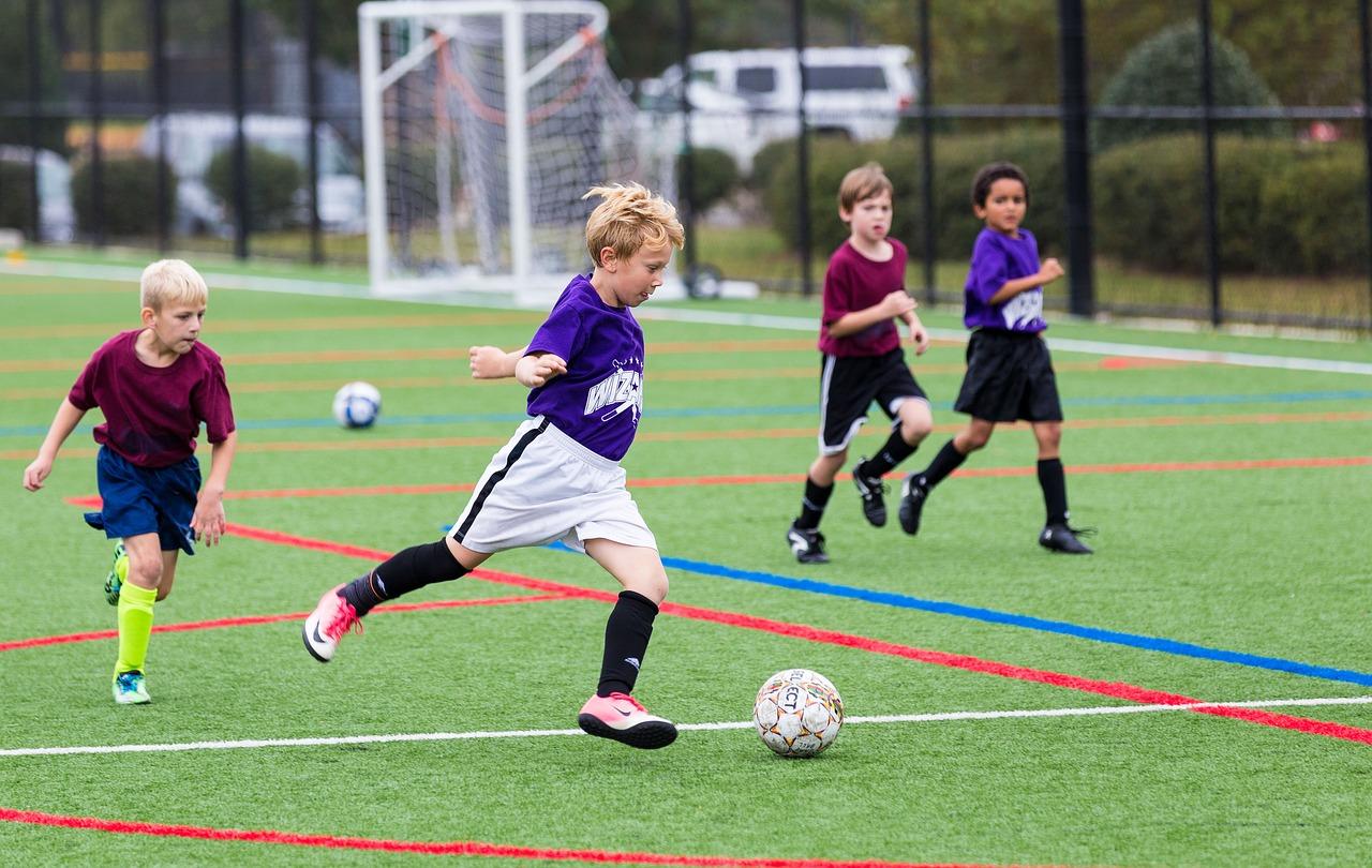 サッカーで上半身の筋肉を鍛える(筋トレを行う)必要はあるのか?