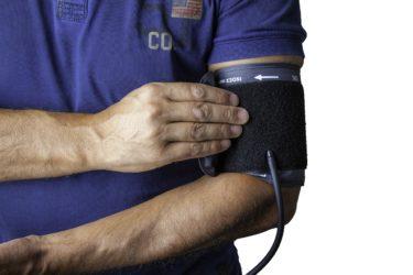 【筋トレ】トレーニングで血圧を上昇させる4つの要因について